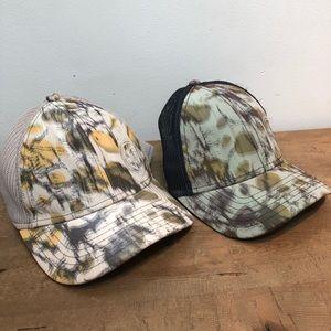2 Pistil flower camo hats